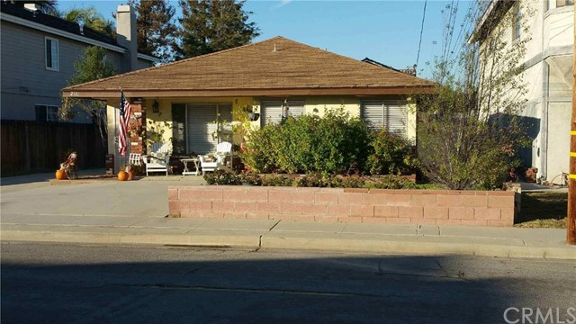 2111 Perry Avenue Redondo Beach, CA 90278 is listed for sale as MLS Listing PW16197194