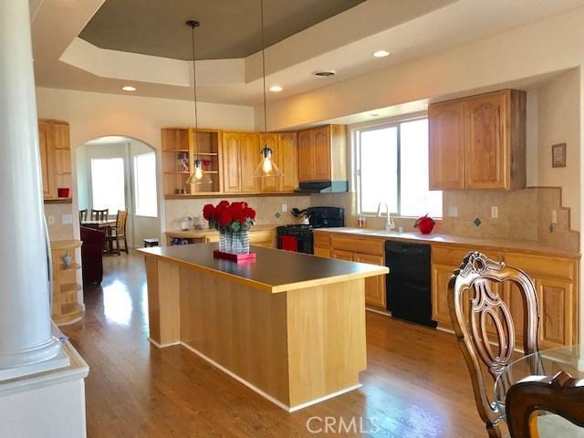 10688 Sunset Ridge Drive, Kelseyville CA: http://media.crmls.org/medias/b4eff6c9-4b59-408b-8651-2e8d05f51947.jpg