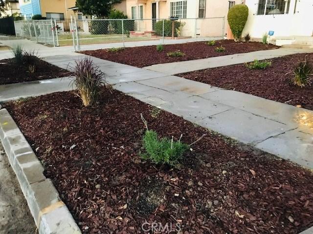 6204 Brynhurst Avenue, Hyde Park CA: http://media.crmls.org/medias/b5033049-0b51-4881-9ce7-f1f11acd33d6.jpg