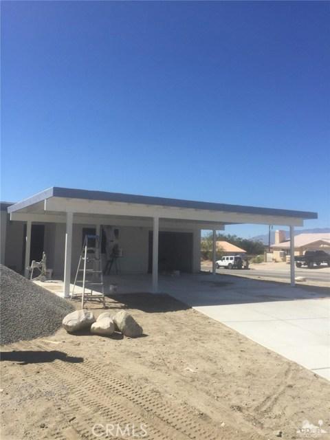 13972 Mesquite Avenue, Desert Hot Springs CA: http://media.crmls.org/medias/b505ecbd-723d-4de3-b548-7f5a7c6eedcf.jpg