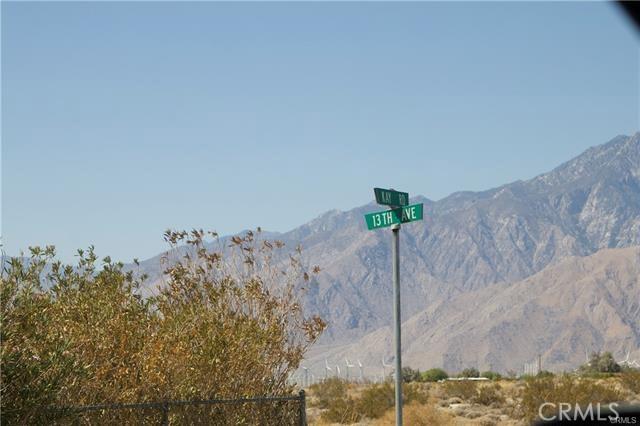 5 Kay Road, Desert Hot Springs CA: http://media.crmls.org/medias/b50b8065-5ba6-4d6b-b9c1-1b1504b9fd92.jpg