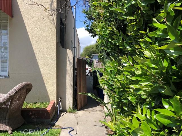 532 W 40th Street, San Pedro CA: http://media.crmls.org/medias/b50bcb79-74a1-4d98-954d-2e7e31ddaa6b.jpg