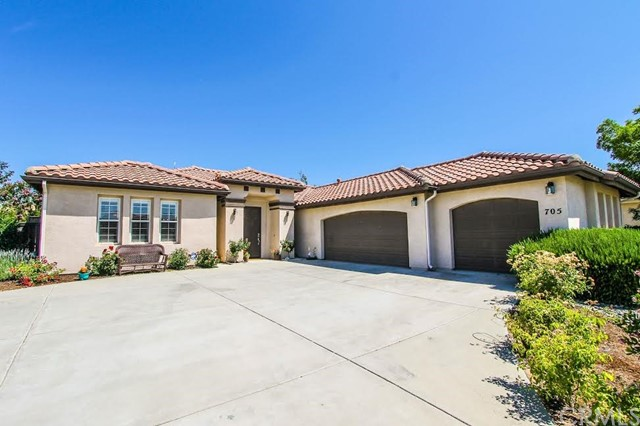 705 Lenox Court, Paso Robles, CA 93446
