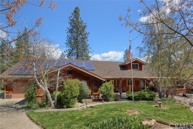 Single Family Home for Sale at 49615 Meadowwood Road Oakhurst, California 93644 United States
