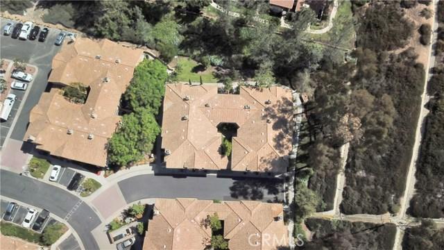 87 Waxwing Lane, Aliso Viejo CA: http://media.crmls.org/medias/b5173b97-dbfb-424b-861d-472882fe5515.jpg
