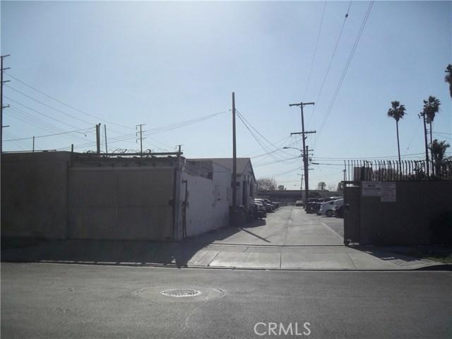 3625 W First Street, Santa Ana CA: http://media.crmls.org/medias/b519b2bf-9c67-4ece-9b47-f25e2872427b.jpg