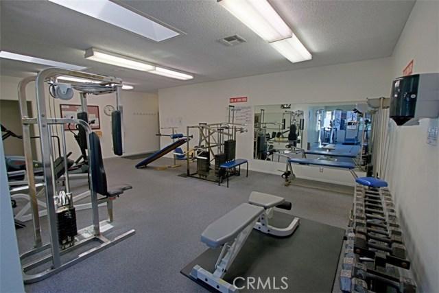 8856 Sutter Circle, Huntington Beach CA: http://media.crmls.org/medias/b51d134c-1975-4114-ace5-dd6fe08270fb.jpg