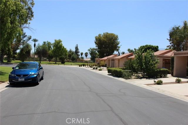 49213 Taylor Street, Indio CA: http://media.crmls.org/medias/b51e0d41-a0de-41f5-a4ca-3d199aaeb98f.jpg