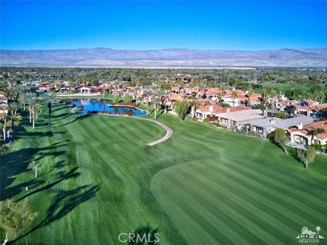 670 Mesa Grande Drive, Palm Desert CA: http://media.crmls.org/medias/b52ac398-6f95-4904-84f3-400e44f34e63.jpg