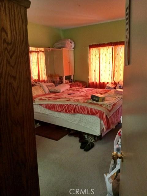 13997 Luna Road, Victorville CA: http://media.crmls.org/medias/b53f4e15-4730-4c03-bc63-1dd32547bacb.jpg