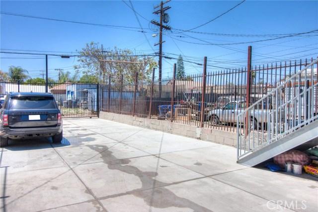 7817 S Western Avenue, Los Angeles CA: http://media.crmls.org/medias/b54b91c0-42ca-4315-8cf9-742acaff4196.jpg