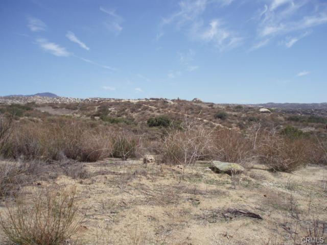 41120 Jojoba Hills Circle, Aguanga CA: http://media.crmls.org/medias/b551436b-2b55-4473-b6c8-4b58496d2575.jpg