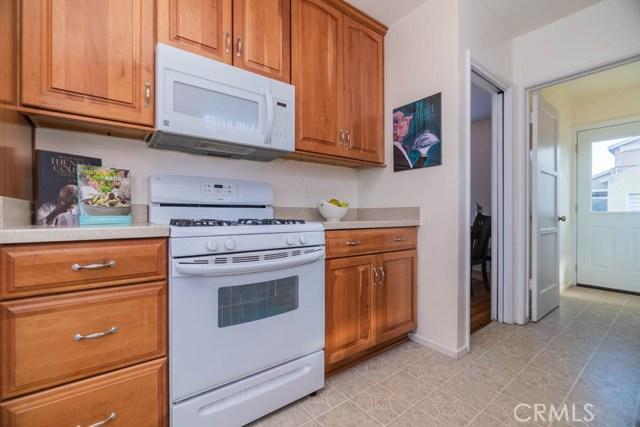 12224 Summer Avenue, Norwalk CA: http://media.crmls.org/medias/b570d1cc-fc21-4c60-b646-01bf36b700d1.jpg