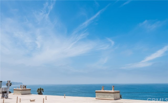1007 S Catalina Avenue, Redondo Beach CA: http://media.crmls.org/medias/b5729077-fe96-4177-a777-c5a20b18d36a.jpg