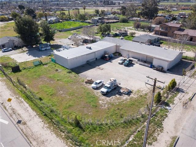 2119 W Lincoln Avenue, San Bernardino CA: http://media.crmls.org/medias/b57fce9e-1d8f-43f2-8370-77b6238fe165.jpg