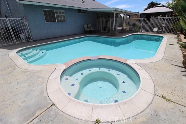 800 San Carlo Avenue, San Bernardino CA: http://media.crmls.org/medias/b584a33f-d7fe-4079-99c3-578af632f1f1.jpg