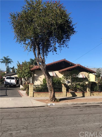 Detail Gallery Image 1 of 2 For 219 N 3rd St, La Puente,  CA 91744 - 2 Beds   2 Baths
