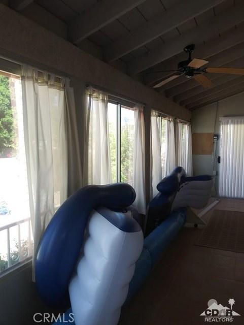 9351 Brookline Avenue, Desert Hot Springs CA: http://media.crmls.org/medias/b58f1f83-314c-4510-bc7b-d69af8767159.jpg