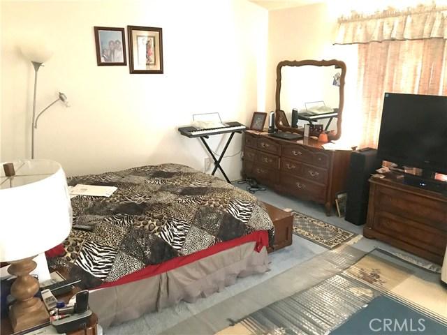 37411 Litchfield Street, Palmdale CA: http://media.crmls.org/medias/b59ab43f-0b61-4d5b-810b-fee6f0abf05f.jpg