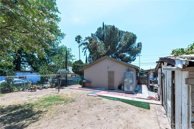 5565 34th Street, Riverside CA: http://media.crmls.org/medias/b5a76149-00fd-4ab1-aebe-6c5bb8eb3833.jpg
