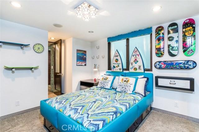 220 35th Street Manhattan Beach, CA 90266 - MLS #: SB18141416