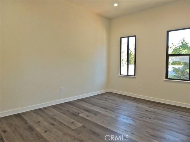 1629 W 37th Place, Los Angeles CA: http://media.crmls.org/medias/b5b40a1b-bd62-4d00-9a3d-b13e11e45e1b.jpg