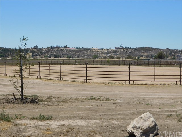 40725 Brook Trails Way, Aguanga CA: http://media.crmls.org/medias/b5b87278-b776-49dd-aadc-c060ce768e57.jpg