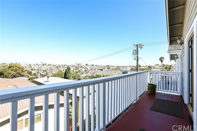 1802 Harper Avenue, Redondo Beach CA: http://media.crmls.org/medias/b5c1720c-4064-4676-9c78-143c14ffcd35.jpg