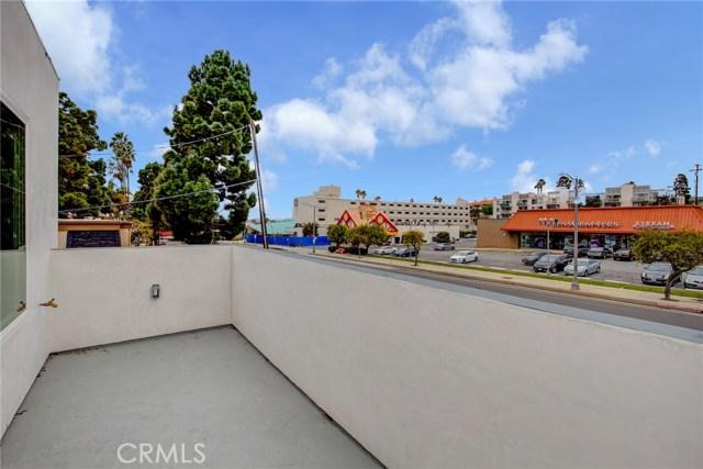6160 Pacific Coast Highway, Redondo Beach CA: http://media.crmls.org/medias/b5c558cd-7821-4788-b8a8-b85d5ecb962a.jpg