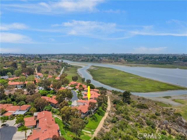 203 Nata, Newport Beach CA: http://media.crmls.org/medias/b5d09d72-6ae1-4037-a18c-09e9bddbbb23.jpg
