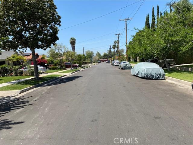 607 Royce Street, Altadena CA: http://media.crmls.org/medias/b5d35684-c3be-4709-91d0-cd11033fb6ae.jpg