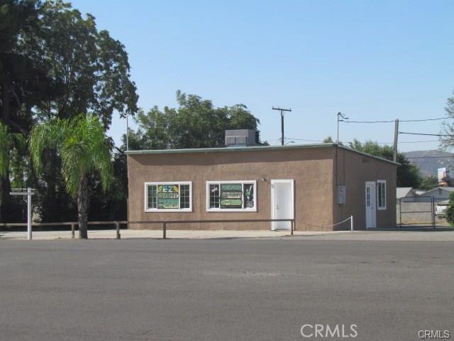 5160 W Ramsey Street, Banning CA: http://media.crmls.org/medias/b5d67e7b-dadd-4c71-b182-4dcbe8a7e18d.jpg
