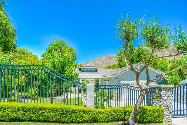 Single Family Home for Sale at 14078 Pollard Drive Lytle Creek, California 92358 United States