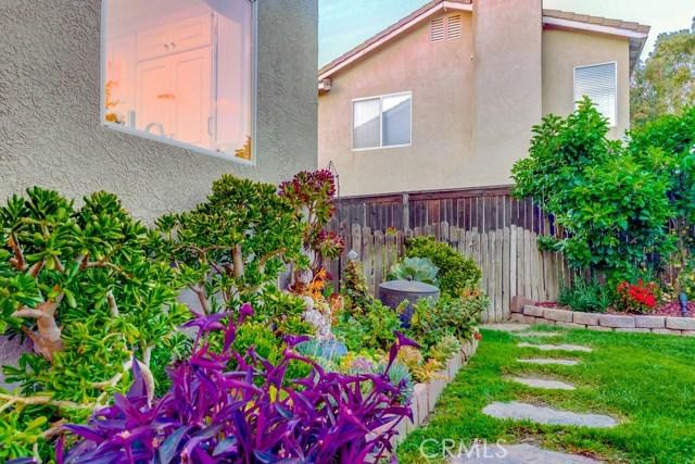 598 Redondo Lane, Corona CA: http://media.crmls.org/medias/b5e234cd-a54f-4d88-8e1c-f9ef48309960.jpg