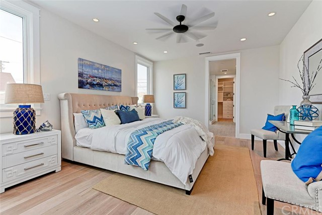 Additional photo for property listing at Stunning New Townhome 815 Crest Drive Manhattan Beach, California,90266 Estados Unidos