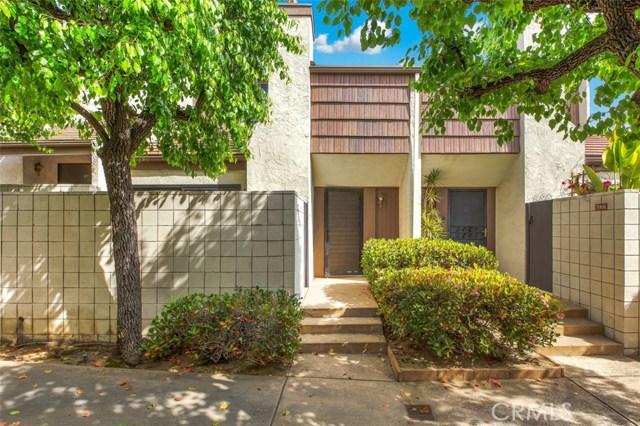 596 W Huntington Drive, Arcadia CA: http://media.crmls.org/medias/b5efd92c-094e-4a51-a6aa-208fcc428f07.jpg