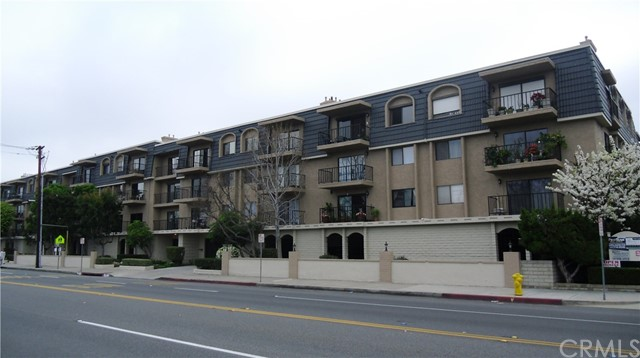 Photo of 12400 Montecito Road #421, Seal Beach, CA 90740