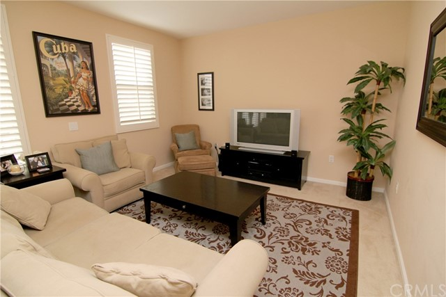 201 E Angeleno Avenue Unit 327 Burbank, CA 91502 - MLS #: BB18073847