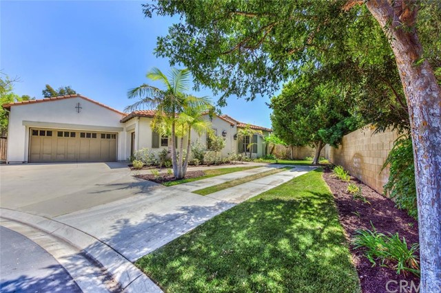 Single Family Home for Sale at 2476 White River St Tustin, California 92782 United States