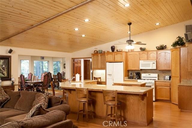 42336 Heavenly Valley Road, Big Bear CA: http://media.crmls.org/medias/b615e3fb-1169-40cd-ad4d-279a59d6d4b3.jpg