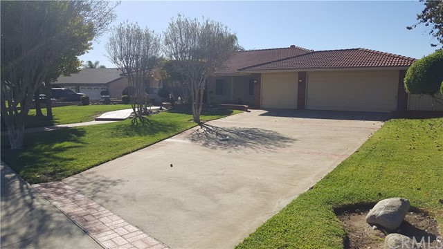 2177 Oxford Avenue Claremont, CA 91711 is listed for sale as MLS Listing CV18021639