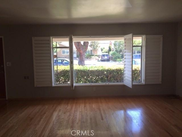 444 N Shattuck Place, Orange CA: http://media.crmls.org/medias/b6251925-deda-4ee3-af09-27c2460f7c74.jpg