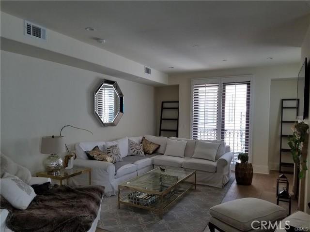 140 S Oakhurst Drive, Beverly Hills CA: http://media.crmls.org/medias/b626015d-3d68-4989-9f34-4515dae1fff1.jpg