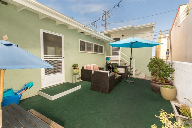 412 16th Street  Manhattan Beach CA 90266
