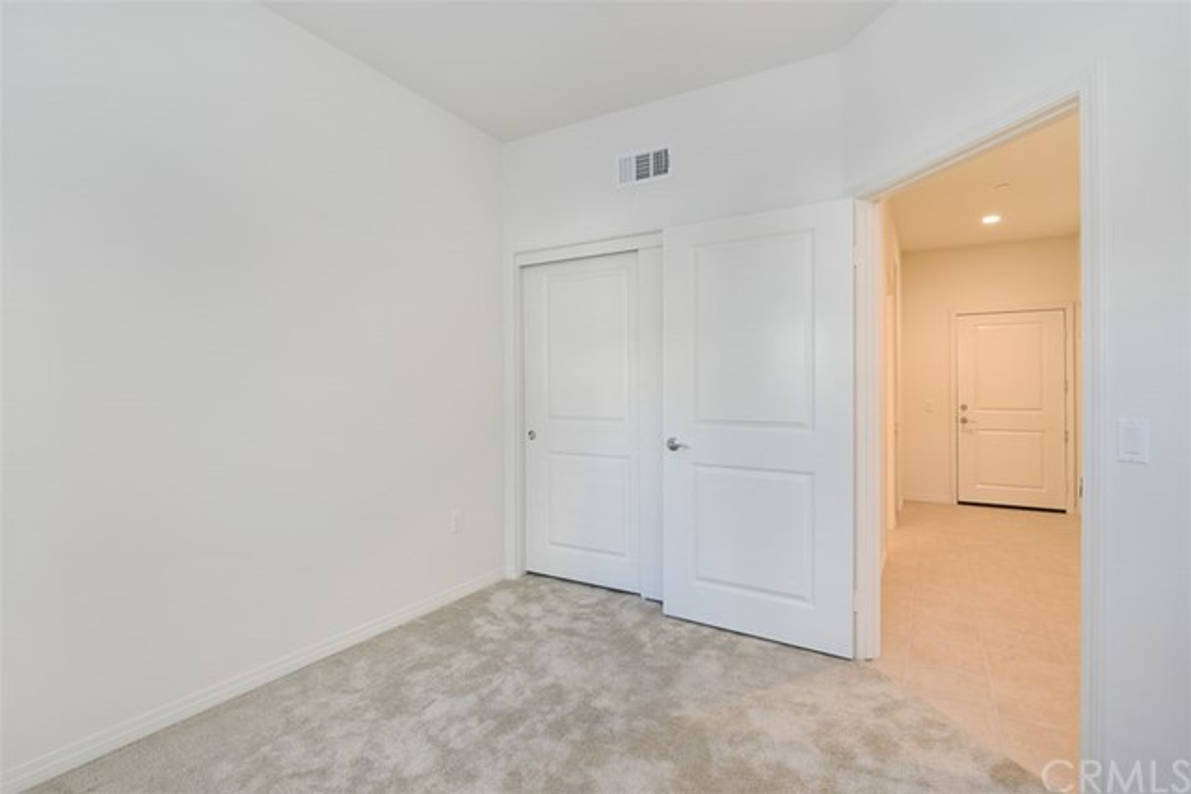923 East Drapery Lane, Anaheim, CA 92802 Photo 3