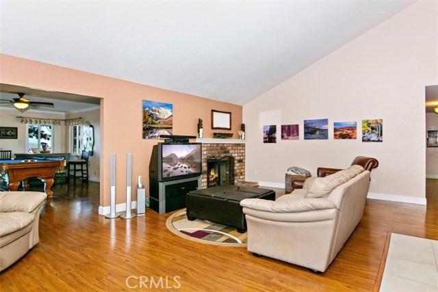 10425 Poplar Street, Rancho Cucamonga CA: http://media.crmls.org/medias/b63b26cb-1135-4e31-92ec-4d475989d0dc.jpg