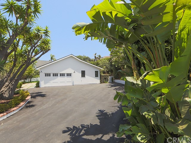 14015 W SUNSET BOULEVARD, PACIFIC PALISADES, CA 90272