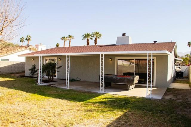 73216 San Nicholas Avenue, Palm Desert CA: http://media.crmls.org/medias/b65f5b68-043b-4602-baa8-72dc29b5d730.jpg