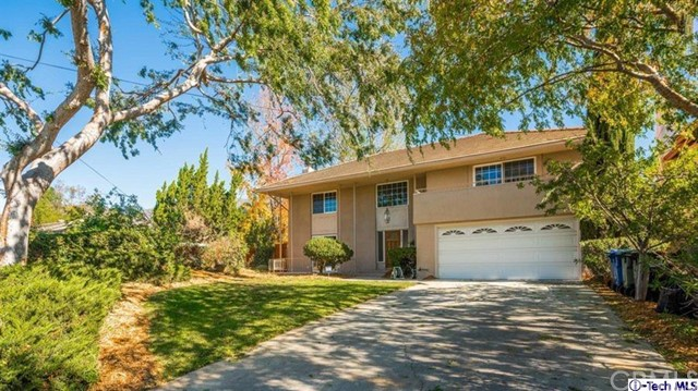 255 Starlight Crest Drive La Canada Flintridge, CA 91011 is listed for sale as MLS Listing 316005218