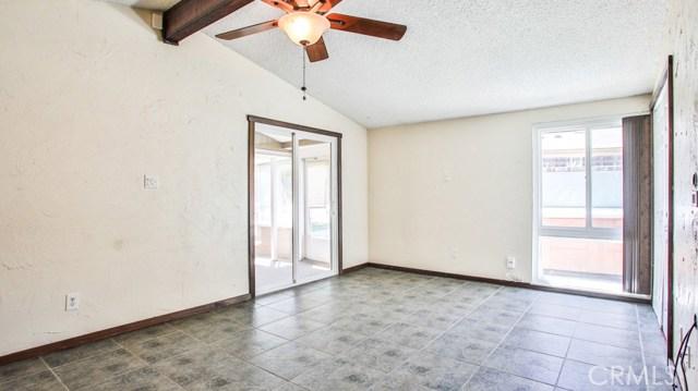 8944 Haskell Street, Riverside CA: http://media.crmls.org/medias/b66a7724-824b-4fb5-9bf2-0e7bb34e8a97.jpg